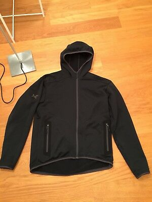 Arcteryx Fugitive Hoody Gr. Medium- Top
