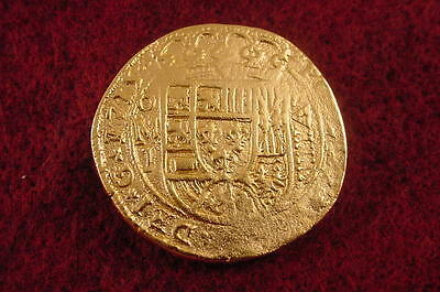 GOLD 1715 FLEET New !  8 ESCUDO SHIPWRECK COIN REPRO