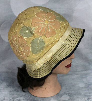 Vintage Antique 1920s Quilted Cloche Style Hat Grosgrain Ribbon Discolored