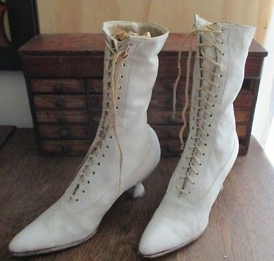 Fantastic Women's Old Antique White Boots Shoes Leather Lace Up