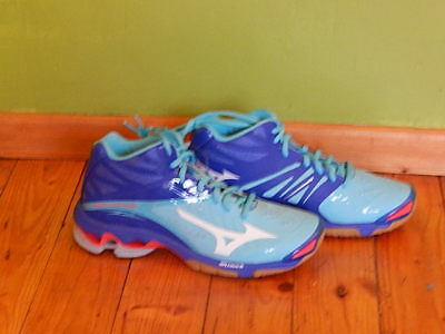 Mizuno Wave Lightning Z2 Mid Gr. 37 UK5 blau neu Turnschuhe Indoor