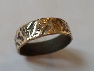 A GENUINE 13th-15th CENTURY MEDIEVAL AE DECORATED WEDDING RING .POLISHED..