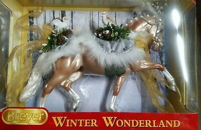 Breyer Winter Wonderland 2017 Christmas Horse Collectible