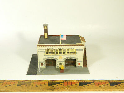 N Scale BUILT Model Building MODERN 2-STALL FIRE STATION Nicely Painted
