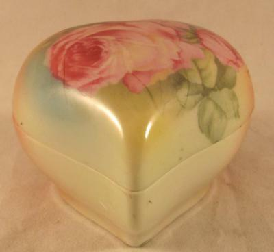 Royal Bayreuth Heart Shaped Trinket Box with Roses 2B mark