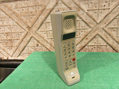 Vintage Motorola Brick Cellular Mobile Telephone No Antenna Or Charger Classic!