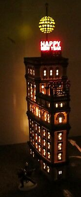Dept 56- CIC- EUC- The Times Tower 2000 New York Special Addition Gift Set
