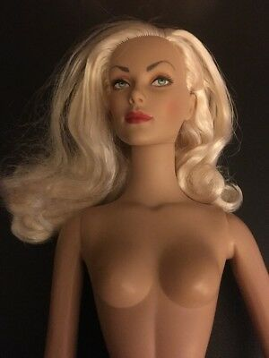"""Tonner Doll Co 16"""" Blonde Tonner Doll Nude"""