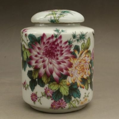 Chinese old porcelain Hand painted famille rose chrysanthemum pattern tea caddy