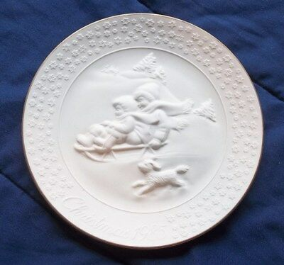 Vintage 1985 A Child's Christmas Avon Porcelain Plate Trimmed in 24K Gold Nice!!