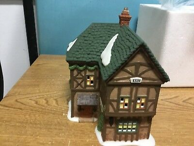 """Dept 56 Dickens Village """"T. Puddlewick Spectacle Shop"""" 58331 1995..chj"""
