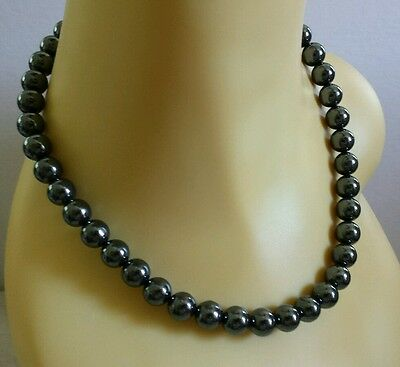 "Vintage simply elegant black glass beads 17"" single strand choker necklace"