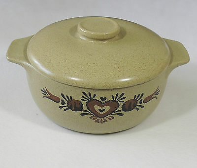Monmouth USA Pottery Tan Brown Speckle Covered Bean Pot Casserole Maple Leaf EUC