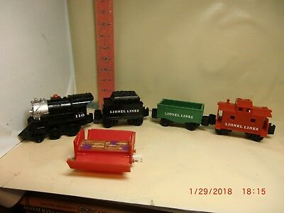 Lionel Battery Operated Train - No Tracks , Won't Work ..