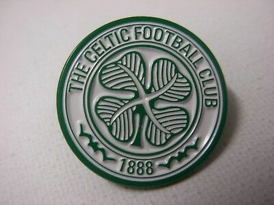 Celtic football club pin badge, Green and white logo.