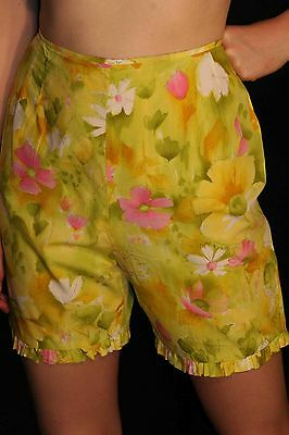 S VTG 50s BACK ZIP Cotton FLORAL TINY RUFFLE LEGS ROCKABILLY SHORTS PANTS