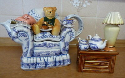 Cardew  Ringtons 'teatime' Teapot  Ltd Edition With Side Table