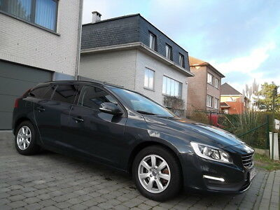 Volvo V60 1.6 D2 // FULL OPTION //