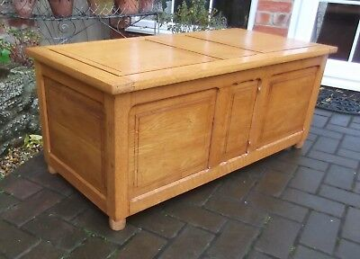 Large Panelled Golden Oak Blanket Chest~Seat~Toy Box~End Of Bed Linen Storage