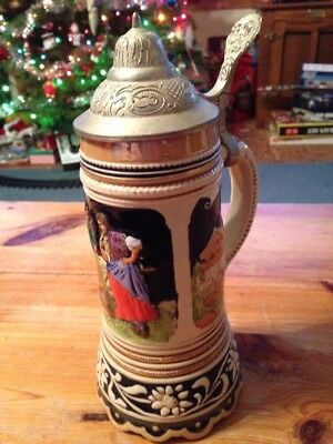 Vintage Musical German Stein Plays Stutter Mann Great Shape