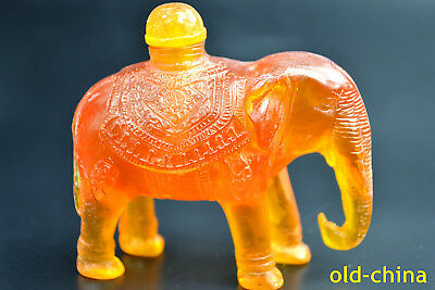 old Collectible Amber Handwork Carve Exquisite Elephant a long nose Snuff Bottle