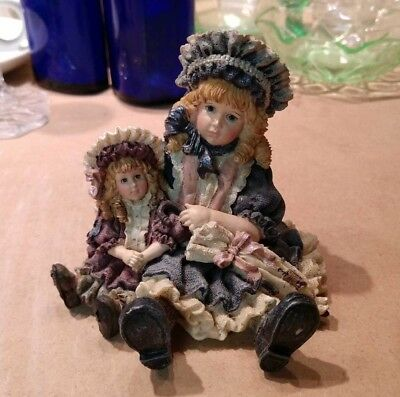 """1995 Boyds Yesterday's Child Figurine: The Dollstone Collection. Style #3502 """"Vi"""