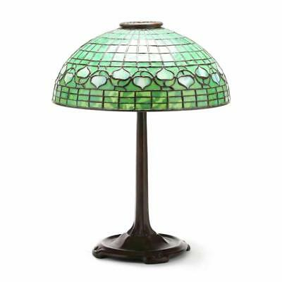 Tiffany Studios Stained Glass Vine Pattern Table Lamp Lot 431