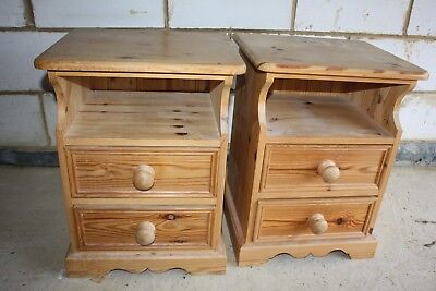 Good Quality Pair Of Solid Pine Bedside Cabinets St.albans