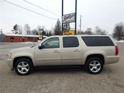 """2008 Chevrolet Suburban LTZ 1500 2008 Chevrolet Suburban LTZ 1500 4-Door SUV Navigation Roof DVD 20"""" Tow Package!"""