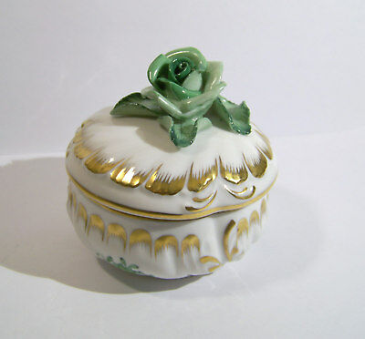 Herend Hungary Chinese Bouquet Green Baroque Box & Lid with Rose Finial