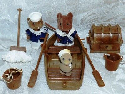 SYLVANIAN FAMILIES ROWING BOAT with CAPTAINS RIVER CREW SET