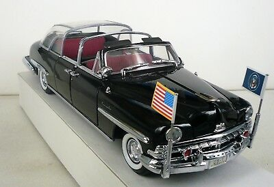 Yat Ming 1960 Bubble-Top Presidential Lincoln - Die Cast Metal 1:24 Scale BM-MM