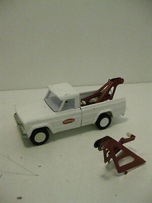 Vintage 1960's White Pressed Steel Tonka Jeep Tow Truck Pick Up Car + Bonus Hook