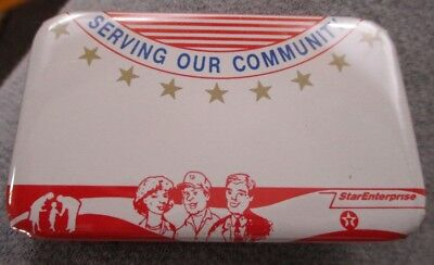 "Way Cool TEXACO OIL Dealer ""SERVING OUR COUNTRY"" PINBACK NAMETAG...MINT"