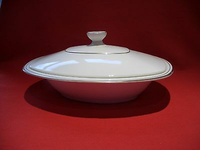 Royal Doulton ~~ Gold Concord ~~ H5049 Covered Vegetable / Serving Dish