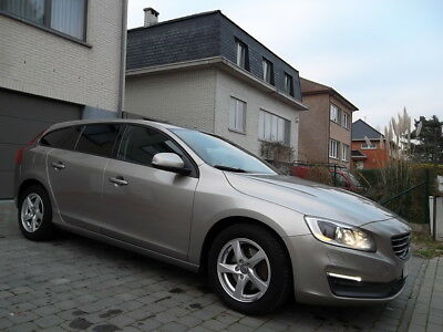 Volvo V60 1.6 D2 // BI-XENON // NAVI // FULL OPTION // ...
