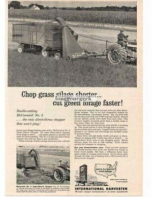 1961 International Harvester McCormick No. 5 Auger Blower Chopper Vtg Print Ad