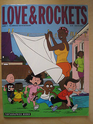 LOVE & ROCKETS MAGAZINE 37. By GILBERT & JAIME HERNANDEZ. FANTAGRAPHICS 1992