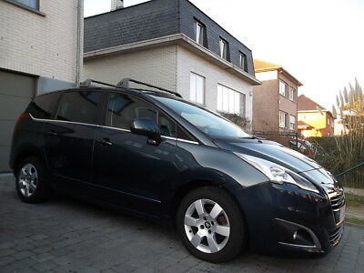 Peugeot 5008 1.6 e-HDi Autom // Allure // 7 Places // Full !!!!