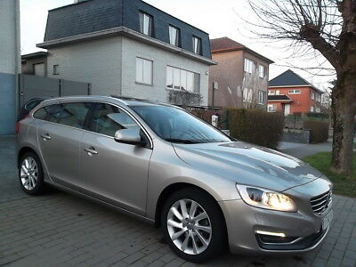 Volvo V60 1.6 D2 // SUMMUM // POWERSHIFT // FULL !!!!