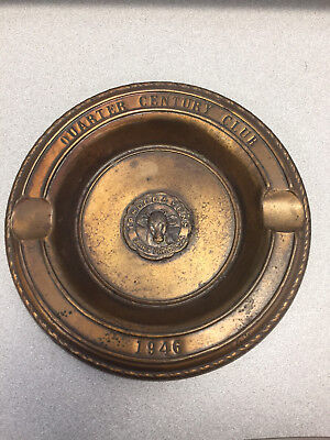 Original 1946 H.P. HOOD & SONS DAIRY Products Tray Cigar Ashtray cow