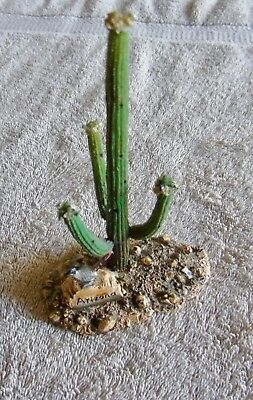 American Legacy Wildlife Collection Arizona Cactus Figurine W/ Road Runner Bird