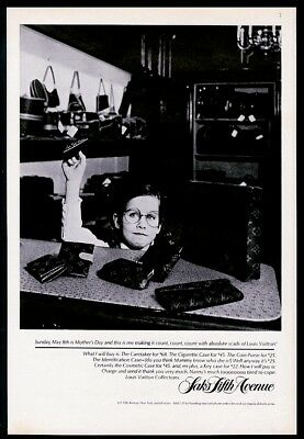 1977 Louis Vuitton coin purse cosmetic case girl buying for mom photo print ad