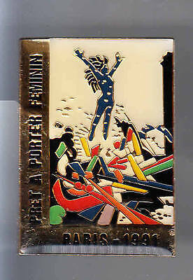 Rare Big Pins Pin's .. Mode Fashion Art Defile Femme Salon 1991 Paris 75 ~Be