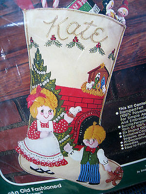 """BUCILLA Holiday STOCKING Felt Applique KIT,AN OLD FASHIONED CHRISTMAS,18"""",82071"""