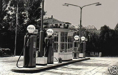 Shell Gas Station 4 Pumps Shell Globes Oil Filler Can Shell 100 Oil Cans