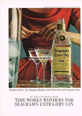 1960 SEAGRAM'S Extra Dry Golden Gin Woman Making A Martini Vtg Print Ad