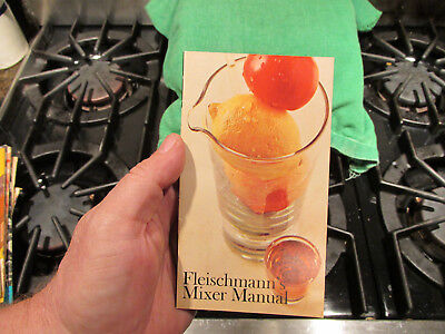 1960s Fleischmann's Distilling Cocktail Mixer's Manual Bar Drinks Recipe Book 2