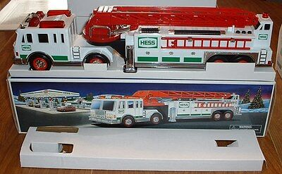 Hess Gasoline '00 Ladder Fire Truck