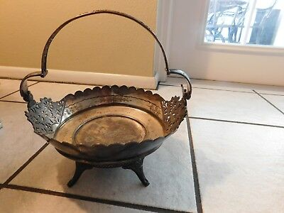 Wilcox Silverplate Basket Quadruple Plate Meriden Conn w/ Bird